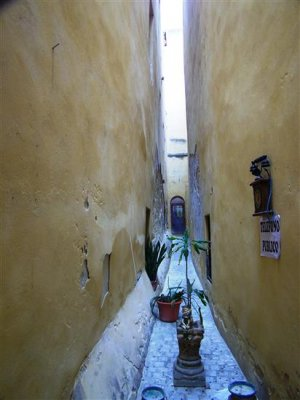 The narrowest street in the world?