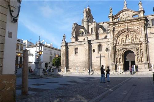 The cathedral nearby - Casa puerto santa maria ...